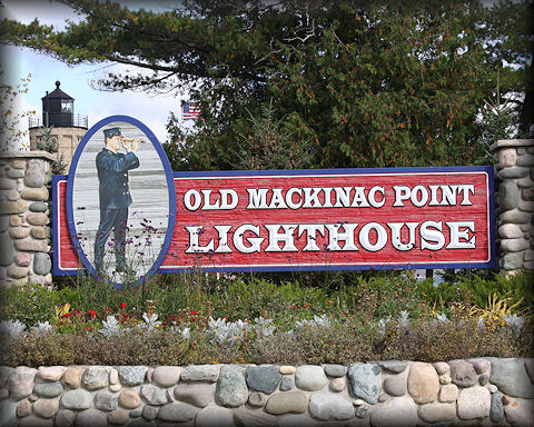 Aad-LighthouseSign-10-11-09-4820